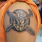 calr-huggins-tattooer